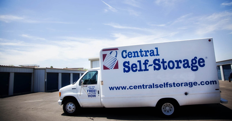 Rent Self Storage Units In Glendale Az Located On N 67th Ave