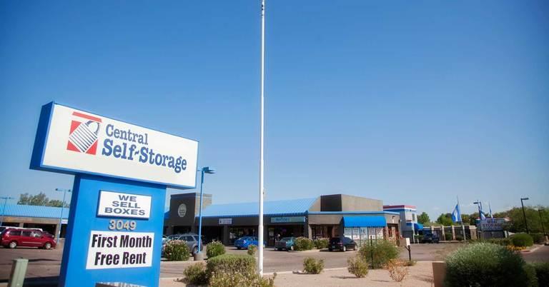 Rent Self Storage Units In Mesa Az Located On E Mckellips Rd