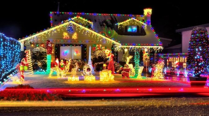 Your Guide to Safely Creating Great Christmas Lighting for Your Yard