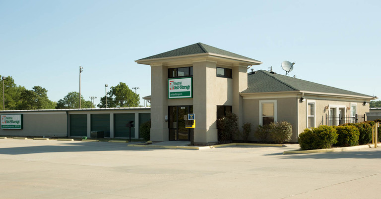 Rent self storage units in Kansas City, MO located on Blue Pkwy